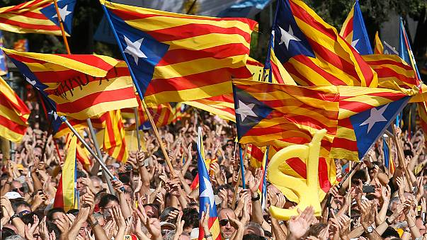 Referandumu yasaklanan Katalonya'dan siyasi manevra