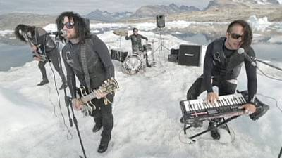 UK metal band play world's first gig on floating iceburg – nocomment