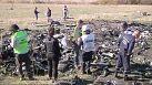Ucraina, volo MH17: gli effetti personali delle vittime trasportati a Kharkiv