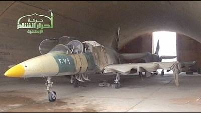 ISIL fighters 'trained to fly warplanes' in Syria