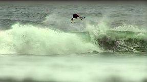 Surf: Slater realizza un inedito 540°