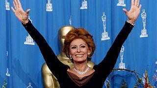 Σοφία Λόρεν: Η «Οδοντογλυφίδα» που κατέκτησε το σινεμά!