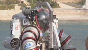 Divers use super-suit to recover ancient Greek treasures
