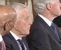 Obama pays tribute to 'Watergate' editor Ben Bradlee