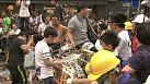 Hong Kong'da karşıt görüşlü eylemciler arasında arbede