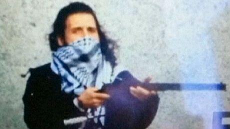 Lone gunman behind Ottawa attacks, say police