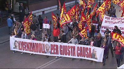 Itália: Manifestações contra política laboral