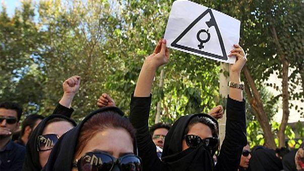 طهران: أقسى العقوبات بحق المعتدين على النساء بالأسيد الحارق
