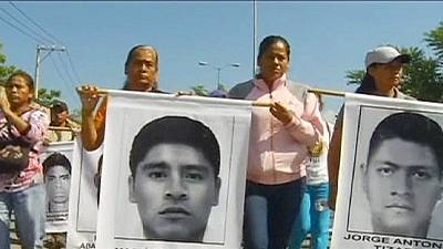 Mexico march for missing students – nocomment