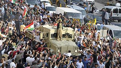 Iraqi Peshmerga fighters ready to cross into Kobani