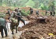 Heavy rains disrupt search for Sri Lanka landslide survivors