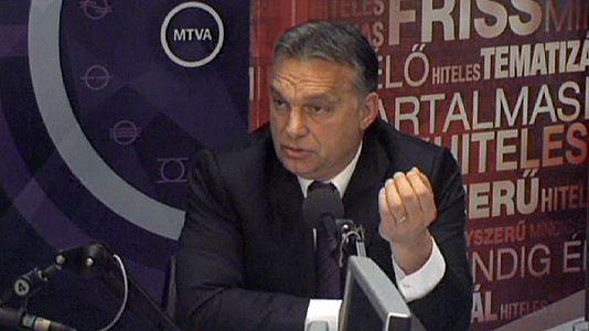 Macar hükümeti internete vergi tasarısını geri çekti