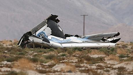 Pilot dies as Virgin Galactic spacecraft crashes in California