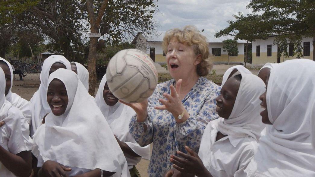 Premio WISE 2014 alla britannica Ann Cotton, fondatrice di CAMFED