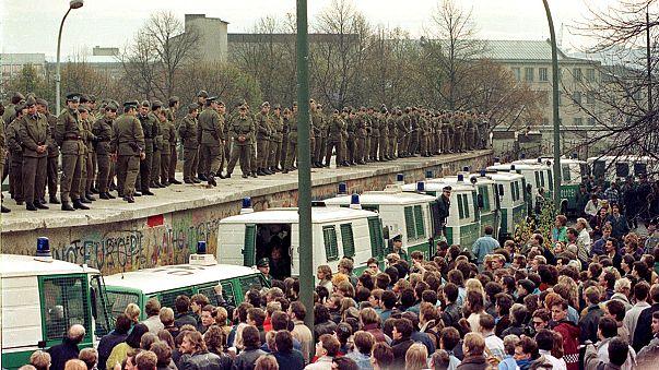 İzleyin: Sekiz video ile 'Berlin Duvarı'nın tarihi yıkılışı'