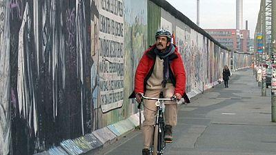 Abrir a Cortina de Ferro numa viagem de bicicleta