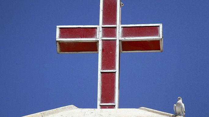 مسيحيو الموصل النازحون الى كنيسة الكلدان في اربيل ... معاناة ومطالبات بحماية دولية