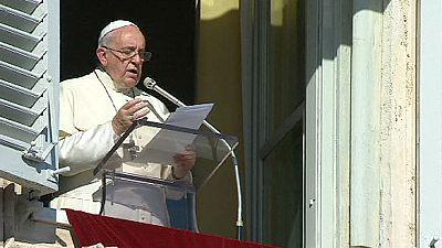 Pope Francis in Berlin homage: 'We need bridges, not walls!'