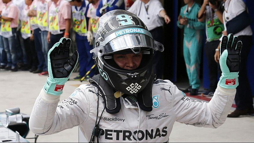 Rosberg triunfa no Brasil; Márquez fecha temporada com chave de ouro
