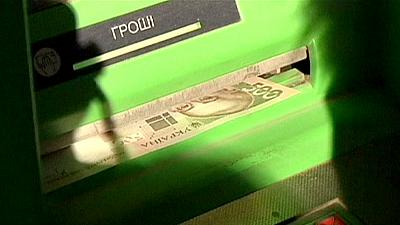 Ukrainian hryvnia in free-fall as military situation in east worsens