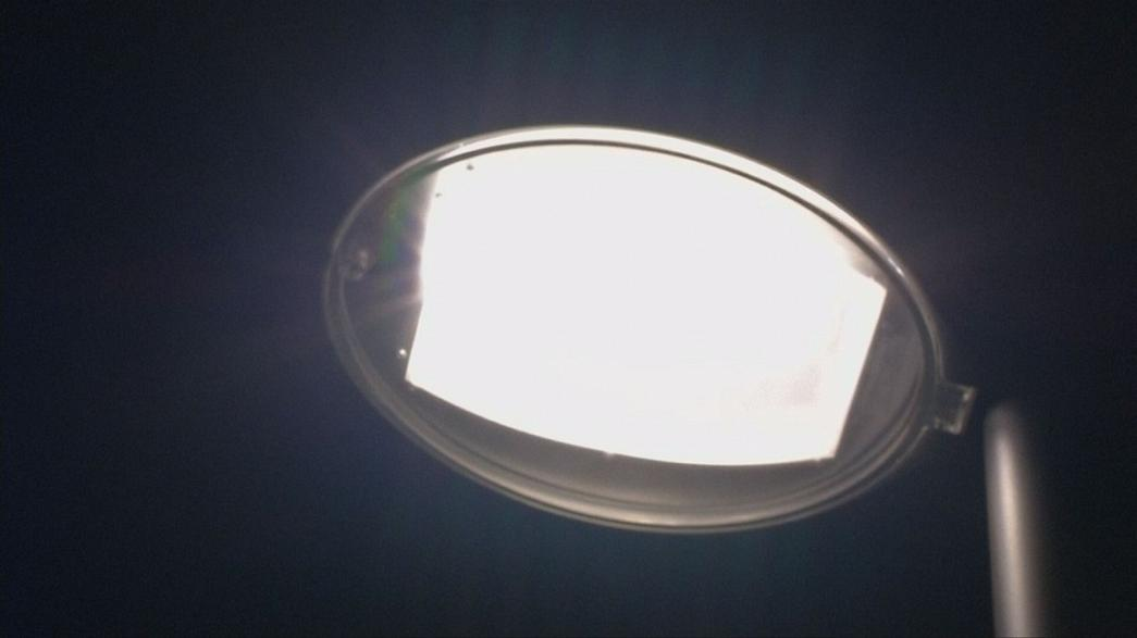 Energy-efficient street lights could be a 'smart' way to cut carbon emissions