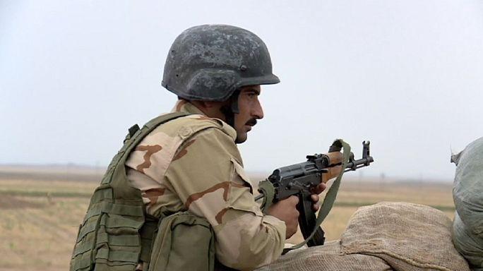 Sur la ligne de front avec les Peshmergas face aux jihadistes de l'EI