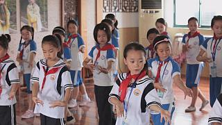 Новая школа: планшеты вместо педагогов и домашняя работа в классе