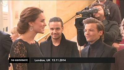 Prince William and his wife Kate meet One Direction in London – nocomment