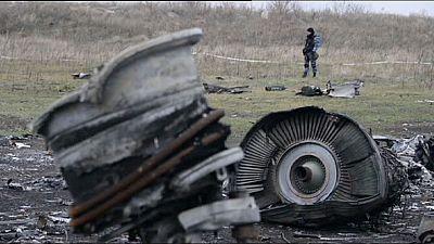 Salvage begins at MH17 crash site in east Ukraine