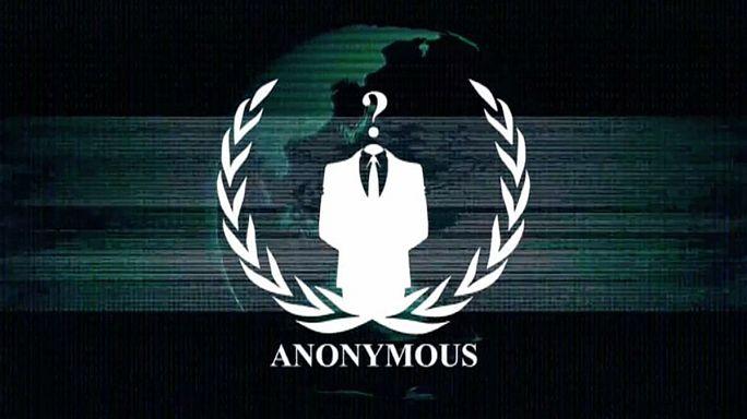 Az Anonymous hekkercsoport a Twitteren háborúzik a Ku Klux Klánnal