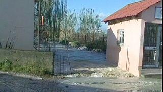Três mortos em inundações na Albânia