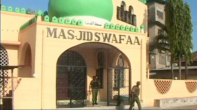 Kenyan police find explosives and weapons in mosques
