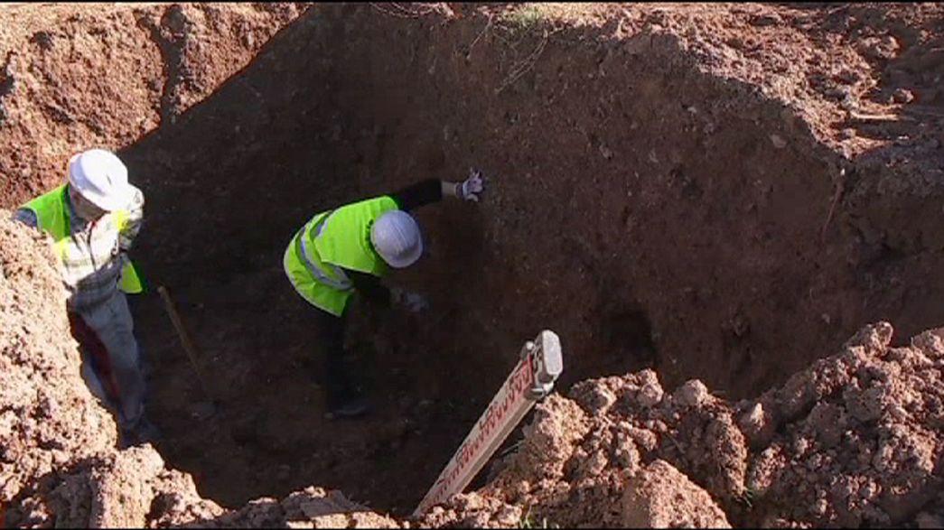 Las excavadoras vuelven a la carga en busca de Lorca