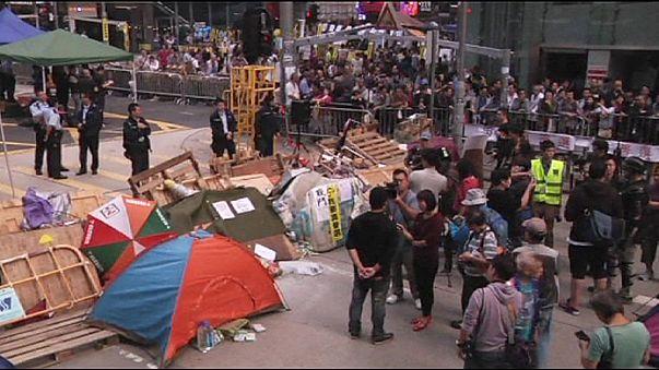 توالي عمليات اخلاء مراكز الاحتجاج في هونغ كونغ