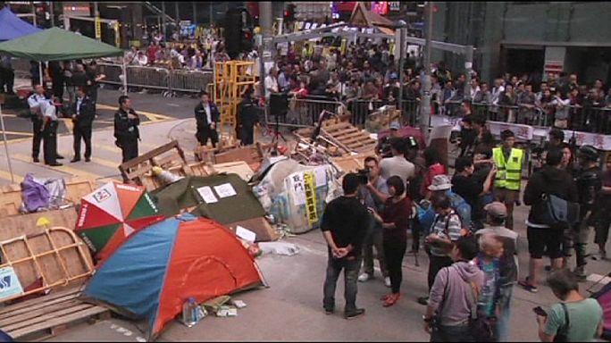 Hong Kong'da eylemcilere 24 saat mühlet