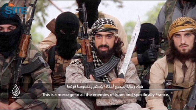 """في فيديو جديد مقاتلون فرنسيون يدعون للانضمام لصفوف ما يسمى بـ""""الدولة الاسلامية"""""""