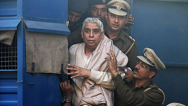 Indian sect leader in custody after violence resisting arrest