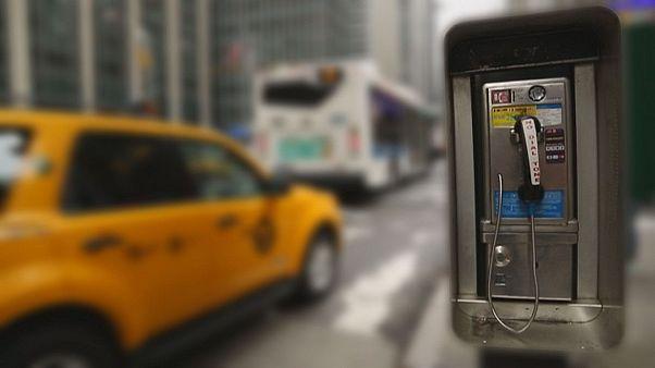 От уличного телефона до  Wi-Fi