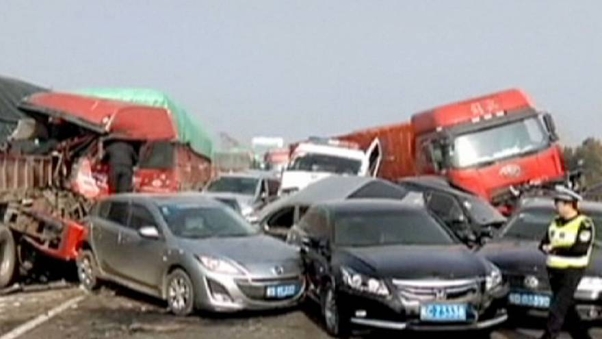 China: 2 dead and 20 injured in massive highway pile-up