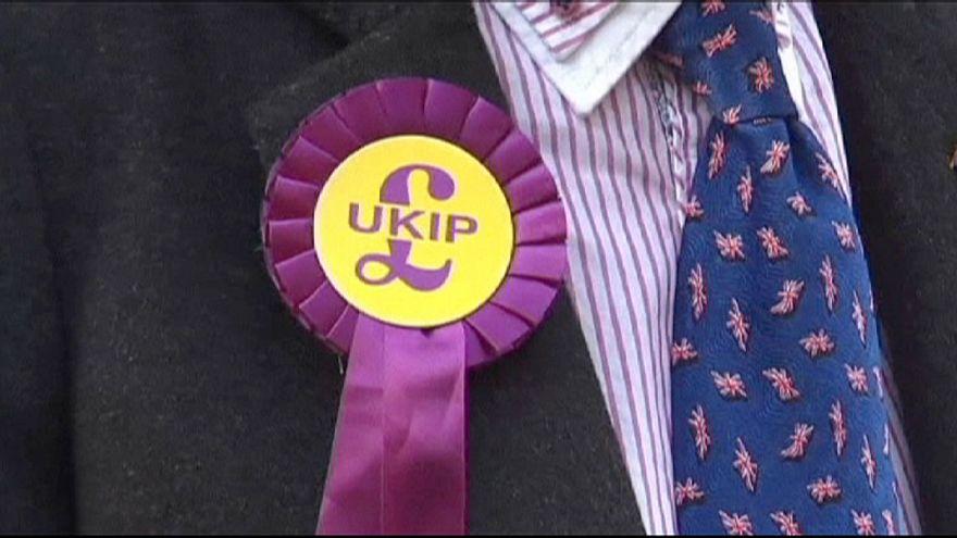 İngiltere'de aşırı sağcı parti UKİP ara seçimleri kazandı