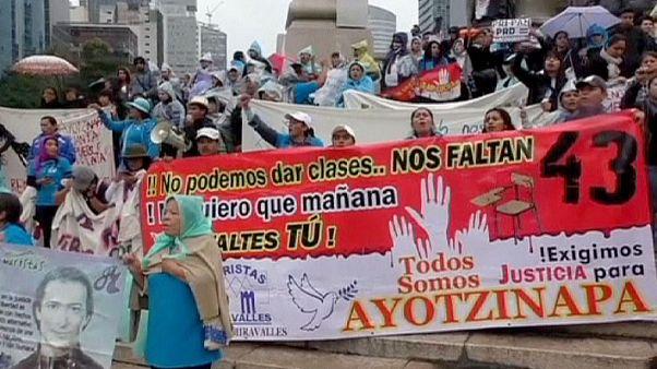 Μεξικό: «Δικαιοσύνη για τους 43 φοιτητές» ζητούν οι διαδηλωτές