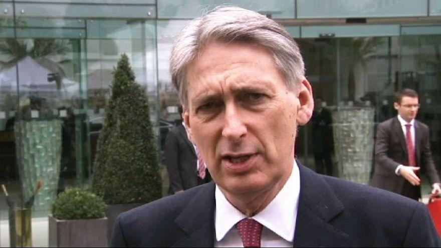 Zarif, Kerry leave nuclear talks in Vienna ahead of deadline