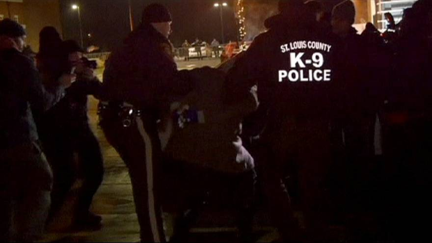 USA : arrestations à Ferguson et appel au calme de Barack Obama
