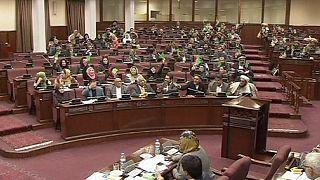 Афганские депутаты одобрили соглашения с США и НАТО