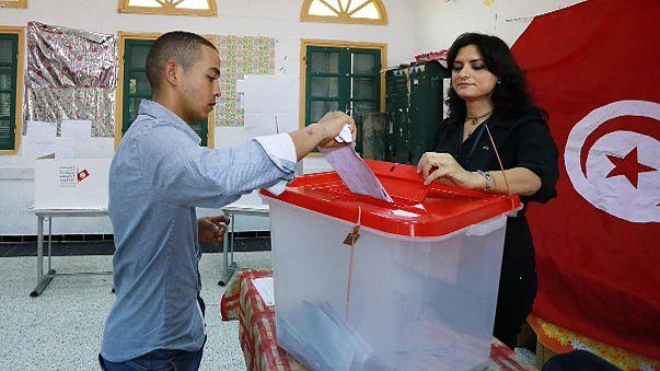 Tunus'ta oy verme işlemi tamamlandı