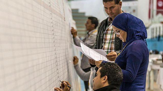 Tunus'ta oy sayım işlemi başladı