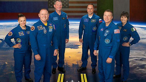إلتحام مركبة سويوز مع محطة الفضاء الدولية