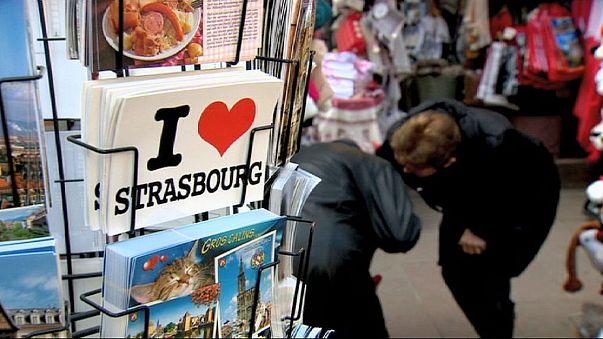 السائحون مدينة ستراسبورغ يرحبون بزيارة البابا فرنسيس الى البرلمان الاوروبي