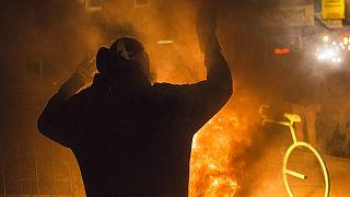 EUA/Ferguson: Reação violenta à decisão do júri