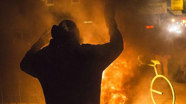 Nincs vádemelés Fergusonban: a tömeg az utcákon dühöng